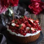 ORANGE-RED BERRY CAKE