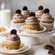 Eggless Oreo Cupcakes with Oreo buttercream frosting