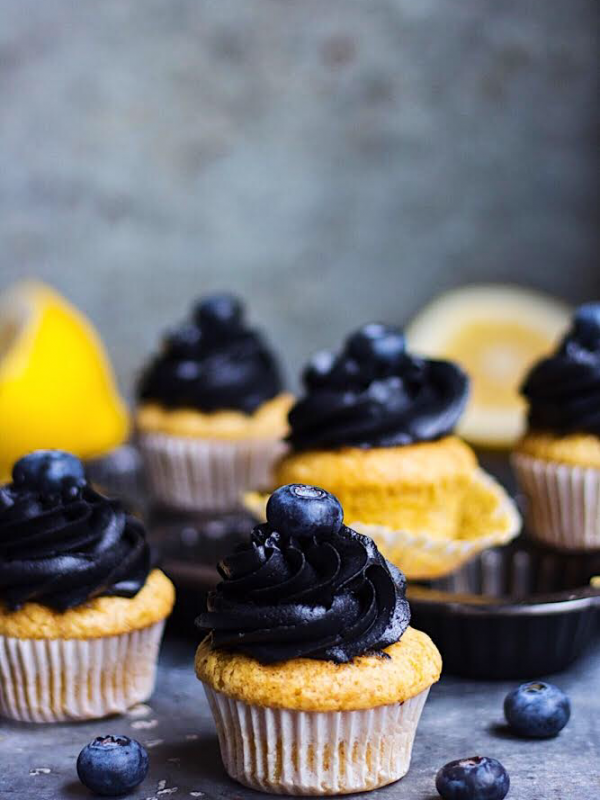 Eggless lemon cupcakes