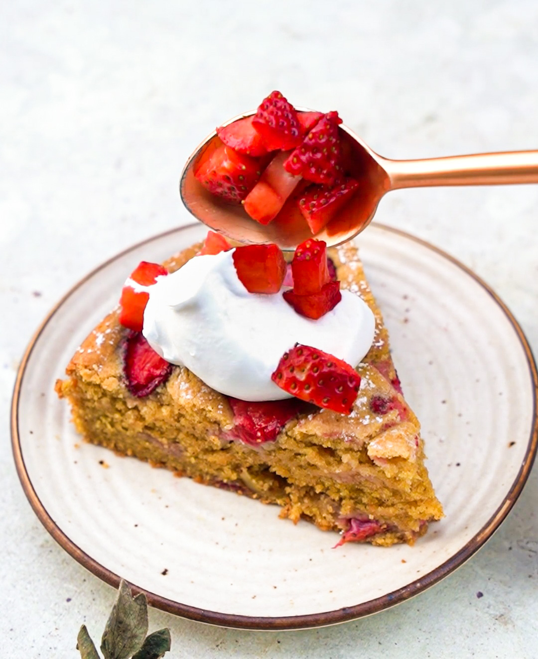 whole wheat ghee strawberry cake