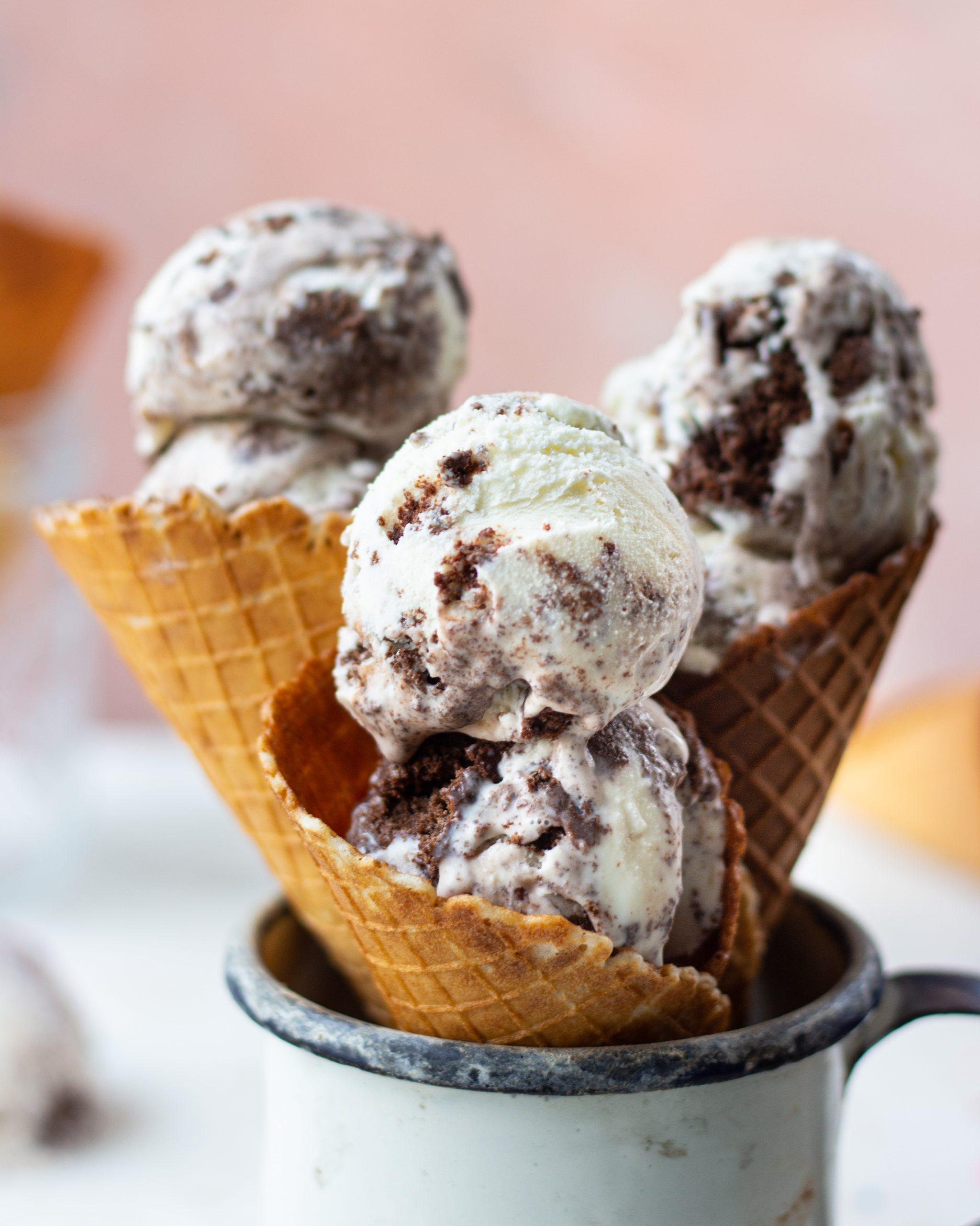 chocolate cake ice cream