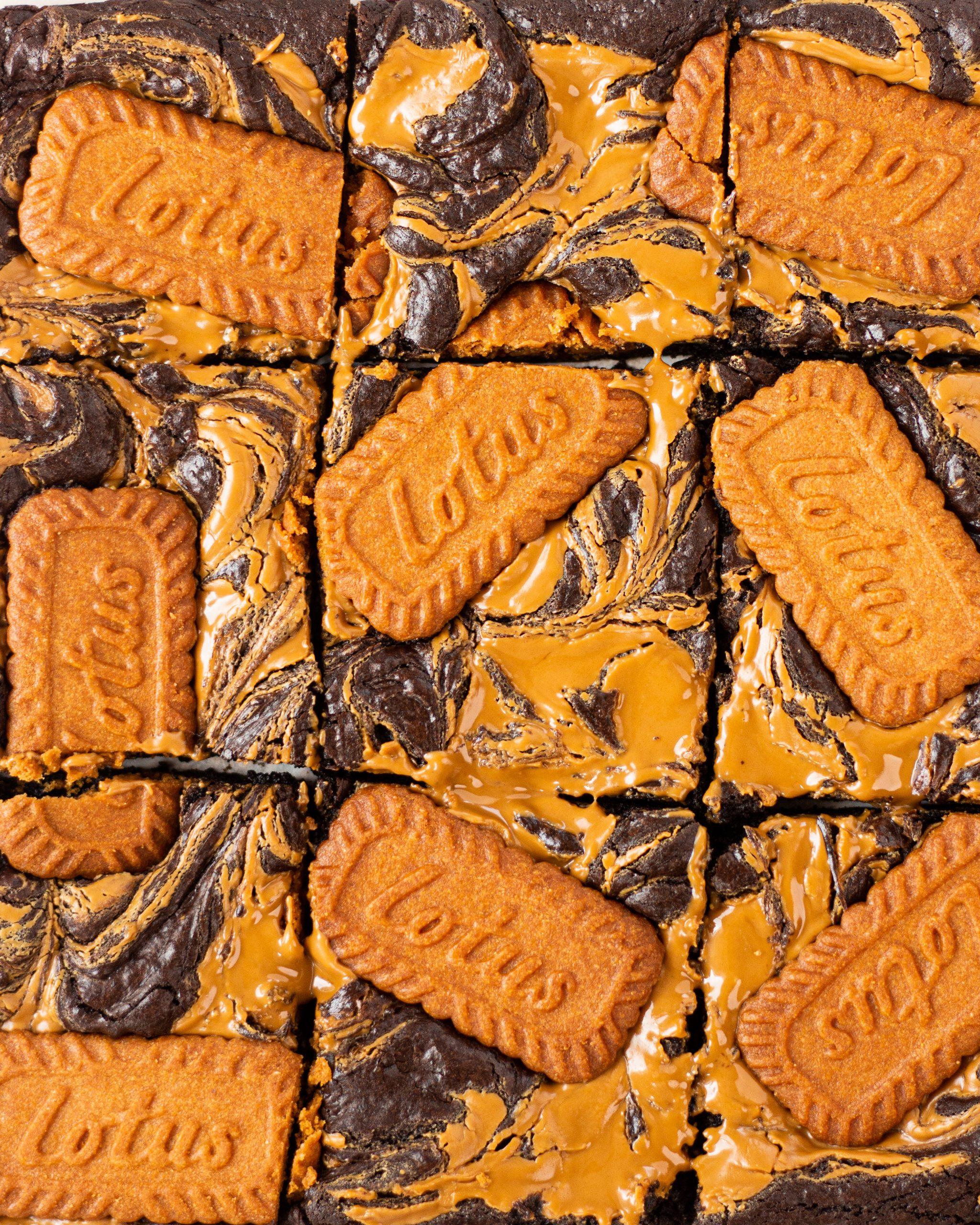 amazing biscoff brownies