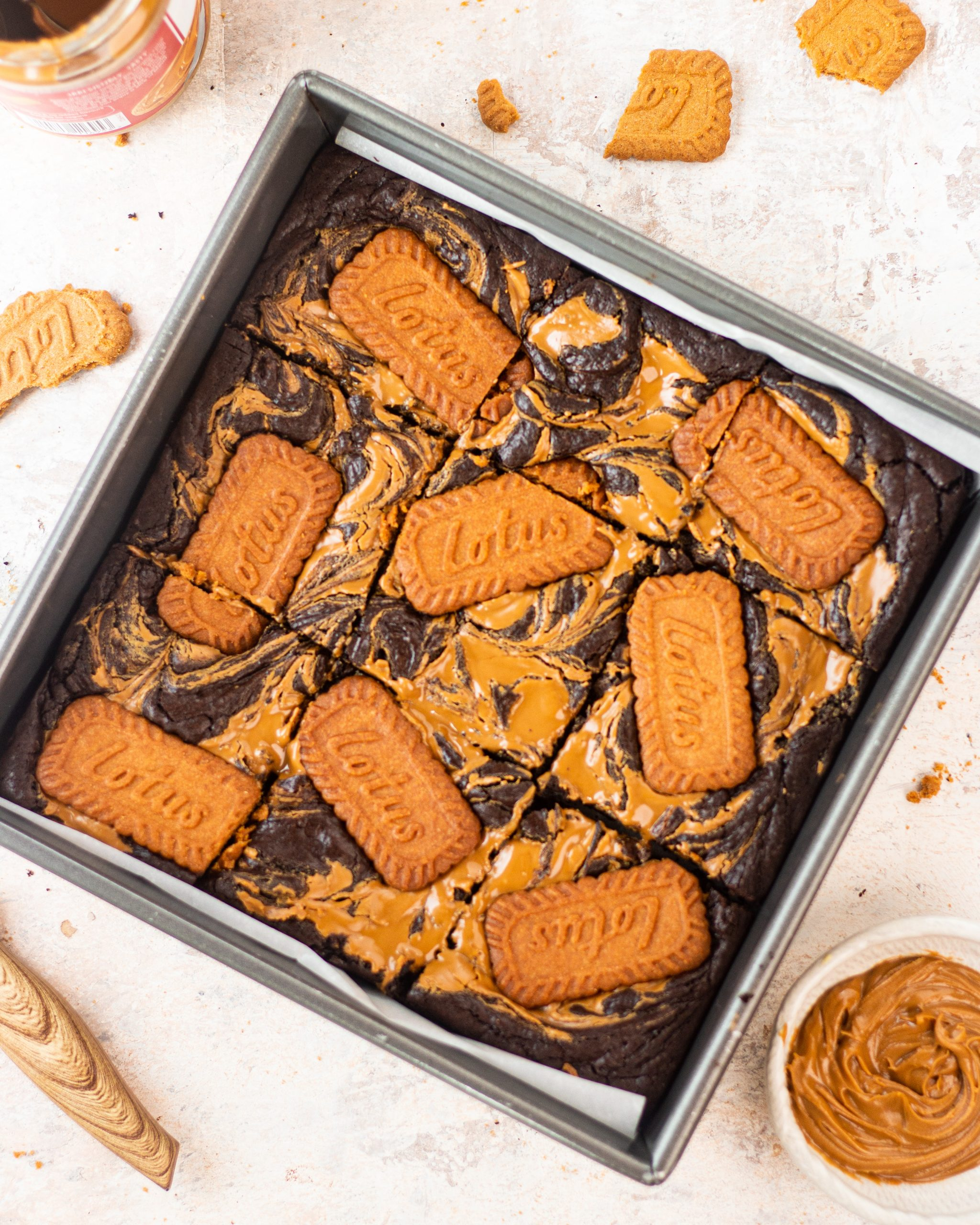 delicious biscoff brownies